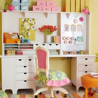 craft-room-with-pink-chair