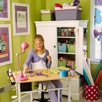 kids-room-crafting-area