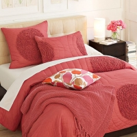 west-elm-ruffled-circle-quilt-and-shams