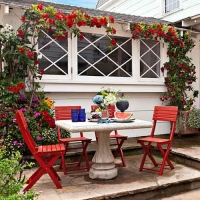 outdoor-dining-at-this-old-house
