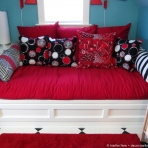 Tenth pillow added to daybed