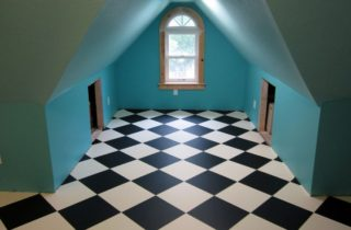 Love this checkerboard pattern flooring!
