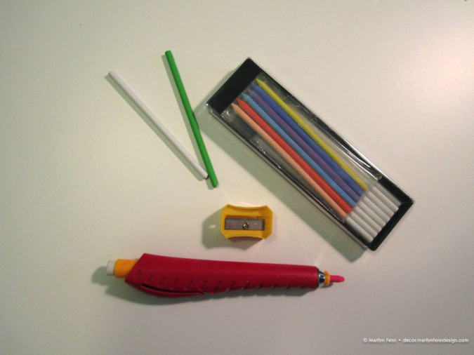 Chalk pencil set