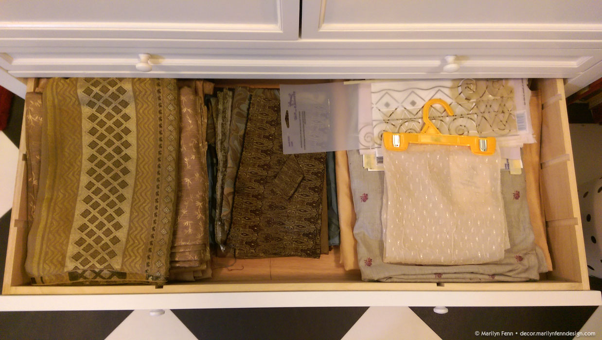Storage cabinet fabric drawer
