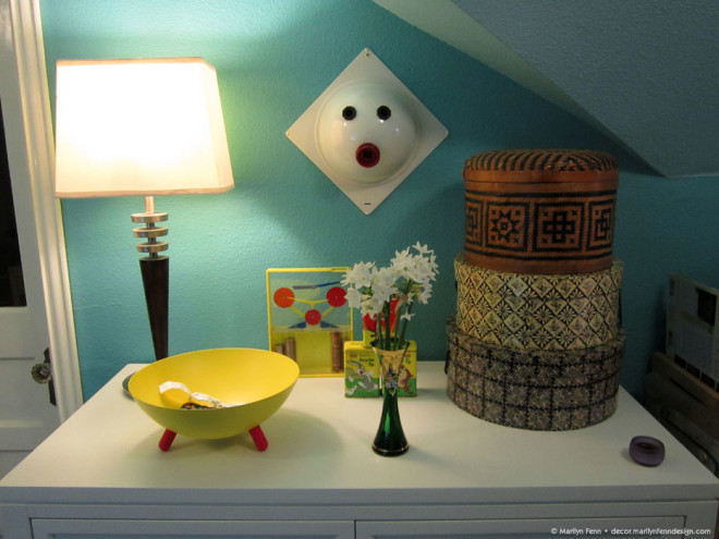 Sewing room decor with flowers